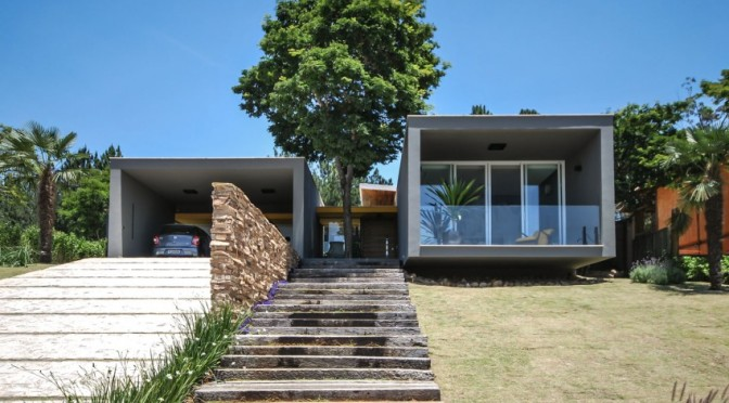 ME House – Contemporary Architecture integrated in Sumptuous landscape